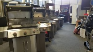 A great selection of gas grills including Weber, Lynx, Saber, Broilmaster, Viking and Big Green Egg! Over 40 gas grills on display!